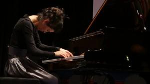 Nare Karoyan, Pianistin